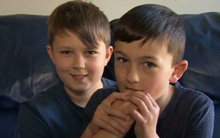 2 cậu bé nổi tiếng nhất youtube giờ đã khôn lớn ra sao?