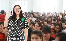 Hàng trăm fan ngôn tình Việt phấn khích khi gặp Diệp Lạc Vô Tâm ngoài đời thực