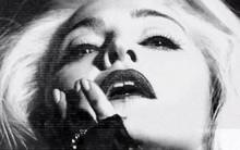 """MV mới của Madonna bị """"tuýt còi"""" vì quá """"nóng"""""""