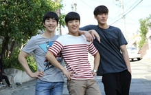 "Kim Woo Bin, Kang Ha Neul, Junho cực kỳ hợp cạ trên phim trường ""Twenty"""