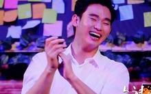 """Xôn xao ảnh """"cụ giáo"""" Kim Soo Hyun cười thả ga ở Indonesia"""