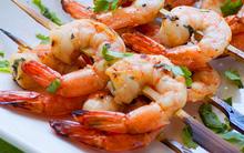 Tôm nướng kiểu Thái mang hương vị đặc trưng hấp dẫn