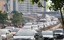 Các tuyến đường về trung tâm Sài Gòn tê liệt từ sáng đến trưa vì hầm Sài Gòn bị phong toả, người dân xuống gầm cầu tránh kẹt xe