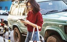 """""""Ngôi sao"""" của mùa đông chính là quần jeans và 15 set đồ sau sẽ giúp các nàng biến hóa tài tình với item này"""