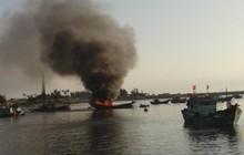 Cháy nổ tàu cá kinh hoàng ở Lý Sơn khiến 10 ngư dân thương vong