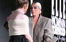 Dân tình chê bộ suit của Lady Gaga thùng thình như bao tải, cô chẳng đoái hoài và lặng lẽ giải thích ý nghĩa