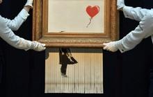Tác giả của bức tranh 1,1 triệu USD tự hủy tại phiên đấu giá Sotheby đăng video giải thích