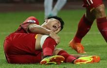 Trước khi nhập viện, đội trưởng U19 Việt Nam có hành động khiến ai xem cũng phải cảm động