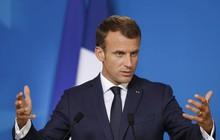 """Tổng thống Pháp Macron lại hứng bão chỉ trích vì bình luận """"lạ"""" về phụ nữ"""