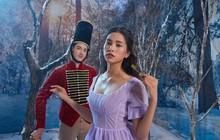 """Hoa hậu Tiểu Vy đẹp mơ màng trong tạo hình công chúa Disney ở """"Kẹp Hạt Dẻ Và Bốn Vương Quốc"""""""