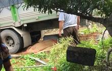 Lào Cai: Đang trong vườn, đôi vợ chồng bị ô tô tải mất lái lao vào đâm tử vong