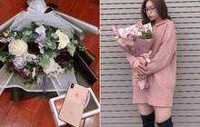 20/10 của dàn bạn gái U23: Người được tặng iPhone, người về tận nhà bạn trai tổ chức tiệc