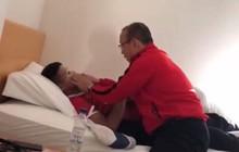 HLV Park Hang-seo đắp mặt nạ dưỡng da cho Quang Hải, Đức Chinh