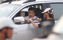 """Vé chợ đen trận Việt Nam - Malaysia """"ế ẩm"""", dân phe vẫn lạc quan"""
