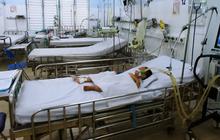 Cảnh báo phụ huynh không thể lơ là: Vừa có hai bé trai 2 tuổi suýt chết vì tay chân miệng độ 4