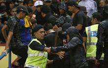 Xét về mức độ khốn khổ vì fan quá khích, VFF cũng phải chào thua Malaysia