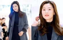 """Đẳng cấp """"mợ chảnh"""" Jeon Ji Hyun dự sự kiện: Quá trẻ đẹp dù đã 37 tuổi, thần thái khiến ai cũng phải ngước nhìn"""