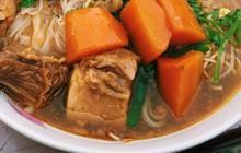 """""""Hẻm vịt"""" độc đáo ở Sài Gòn không chỉ có vịt mà còn nhiều món hấp dẫn đang chờ bạn"""