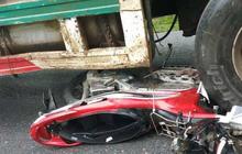 Lào Cai: Container mất phanh cuốn theo 4 xe máy trôi xuống dốc, 1 người chết, 3 người nguy kịch