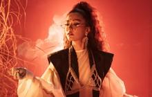 """Nằm trong dự án """"Việt Nam Việt Nam"""" nhưng sao xem MV mới của Bích Phương lại thấy toàn màu """"nghìn lẻ một đêm""""?"""