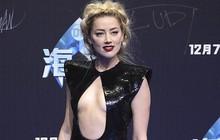 Trang điểm và làm tóc cầu kỳ, nhưng Amber Heard lại diện bộ váy làm chẳng ai chú ý tới... khuôn mặt