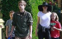 Angelina Jolie đưa 3 con ruột dạo phố, dập tan lời đồn khiến các bé mệt mỏi khi phải sống chung