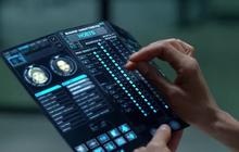 Smartphone màn hình gập rất có tiềm năng phát triển, bạn cứ nhìn vào loạt phim khoa học viễn tưởng này thì biết!