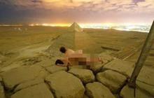 """Quay clip phản cảm trên đỉnh kim tự tháp Ai Cập, anh thợ ảnh ăn đủ """"gạch đá"""" từ cư dân mạng"""