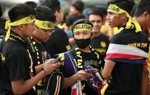 [Cập nhật] Hàng nghìn cổ động viên Malaysia đổ về sân Bukit Jalil, tạo không khí cuồng nhiệt trước trận chung kết AFF Cup