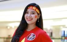 Nhìn cả dàn gái xinh cổ vũ đội tuyển Việt Nam: Đã đủ lửa chưa các chàng trai ơi!