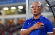 Fan Việt lo sợ, cuống cuồng yêu cầu VFF gia hạn hợp đồng với ngài Park sau khi CLB giàu thành tích nhất nước Anh sa thải HLV