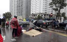 Hà Nội: Người đàn ông gục khóc tại hiện trường vụ tai nạn khiến 1 nạn nhân tử vong, người qua đường không khỏi xót xa