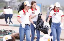 Thí sinh Hoa khôi Sinh viên nhiệt tình dọn rác tại biển Đà Nẵng sau trận ngập lụt lịch sử