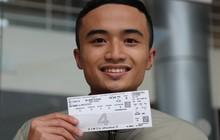 Niềm hạnh phúc của những người đầu tiên sở hữu vé xem Việt Nam đấu Malaysia