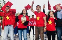 Thầy cô nước ngoài làm MV hoành tráng cỗ vũ Việt Nam: Các bạn sẽ vô địch AFF CUP 2018 vì đội bóng năm nay quá mạnh!