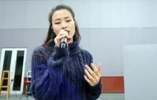 """Để chiêu đãi 40.000 khán giả với lượng ca khúc """"khủng"""", Đông Nhi tất bật tập luyện cùng ban nhạc trước thềm liveshow"""