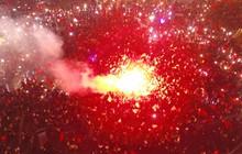 """Chùm ảnh: Chảo lửa Mỹ Đình """"nóng rực"""" khi người hâm mộ được thoả cơn khát vô địch AFF Cup sau 10 năm chờ đợi"""