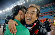 """Mải miết tung hô thầy Park, chúng ta đã quên mất HLV Lee Young-jin - """"người hùng thầm lặng"""" của đội tuyển Việt Nam"""