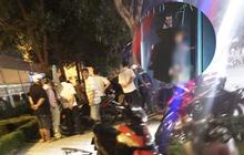 Kinh hãi khi thấy xác nam thanh niên treo lơ lửng tại nhà chờ xe buýt ở Sài Gòn