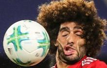 """Cú sút bóng cực hài của anh chàng tiền vệ từng sở hữu mái tóc xù giàu chất """"troll"""" nhất làng bóng đá"""
