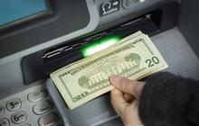 Làm giàu không khó: Anh bartender bỗng thành đại gia vì rút được gần 27 tỷ đồng từ chiếc máy ATM lỗi gần nhà