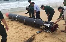 Phát hiện vật thể lạ nghi vũ khí mắc vào lưới đánh cá của ngư dân Phú Yên