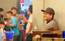 Trong khi Nhã Phương sang Thái chơi Songkran, Trường Giang bị bắt gặp đi uống bia cùng bạn bè giữa đêm