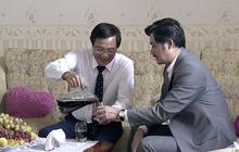 Bị vợ cắm sừng, Quang (Vũ Long) qua nước ngoài tìm thầy giáo cũ để khóc lóc, tâm sự