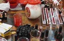 Cảnh sát bắt quả tang cơ sở sản xuất hàng ngàn thỏi son giả