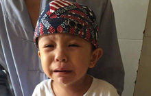 Tiền Giang: Xót cảnh bé trai 3 tuổi khóc ngất đòi mẹ sau khi bị mẹ bỏ rơi trước cổng chùa