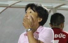 HLV Miura ôm mặt thảng thốt khi TPHCM thua đau phút 89