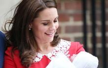 3 lần sinh con, Công nương Kate Middleton đã phá vỡ những nguyên tắc về sinh nở bất di bất dịch của Hoàng gia Anh