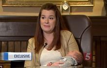 """Khi y tá đưa đứa con 1 ngày tuổi trở lại phòng, bố mẹ """"chết đứng"""" khi biết con bị phẫu thuật nhầm"""