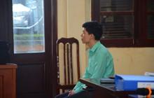"""Người nhà 9 nạn nhân tử vong do chạy thận nghẹn ngào trước tòa: """"Bác sĩ Lương không có tội, chúng tôi mong tòa tuyên ông ấy vô tội"""""""